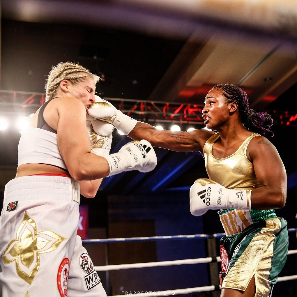 Recap: Claressa Shields Dominant In First Title Fight ...