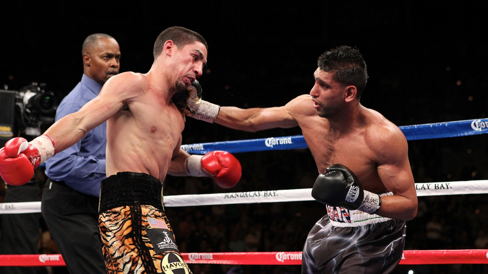 Amir Khan Prepares For Next Fight | FIGHT SPORTS