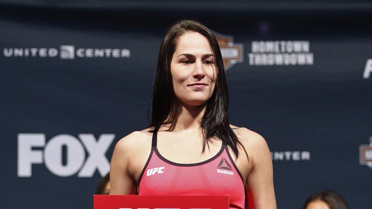 Eye Calls Out Vanzant Over Cancelled Fight Fight Sports